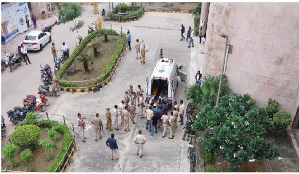 Jitender Maan Gogi: Notorious gangster among 3 killed in Delhi court