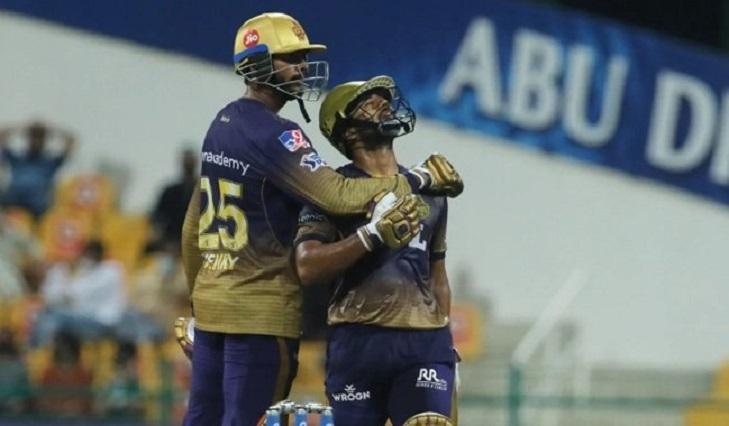 Iyer, Narine star as Kolkata thrash Mumbai to move into IPL top four