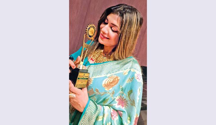 Singer Sabrina Bashir gets Golden Jubilee Award 2021