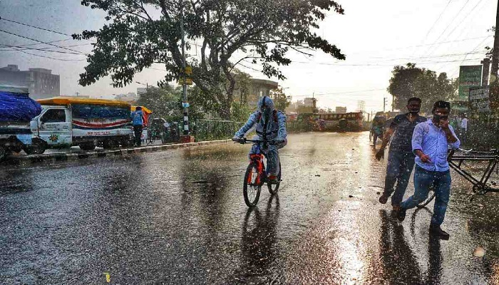 Deep depression intensifies into Cyclone 'Gulab'; Rain likely across country