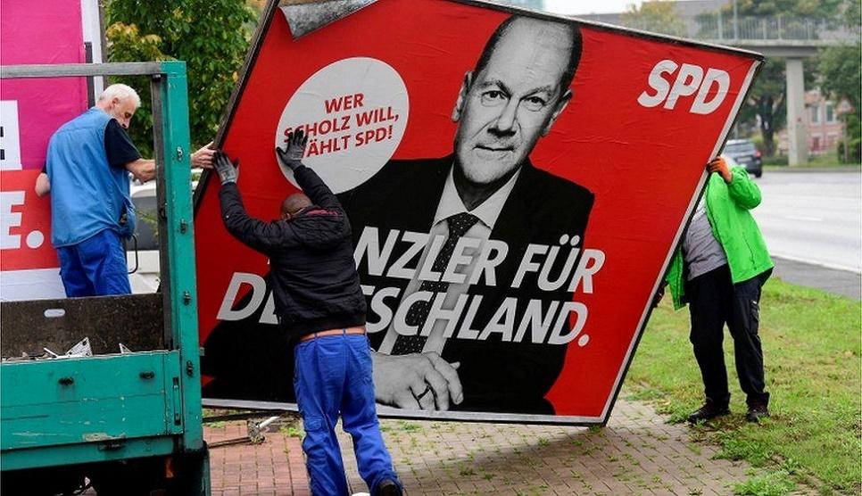 German coalition talks begin after close election