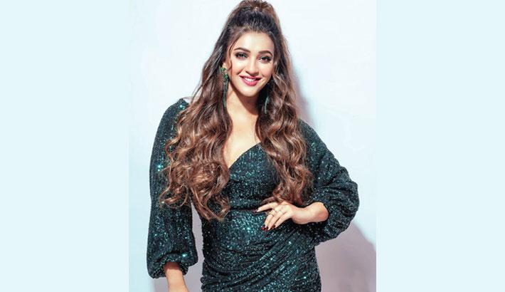 Tollywood actress Koushani in Bangladeshi film 'Piya Re'