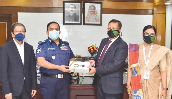 IFIC Bank donates 2 lakh face masks to Bangladesh Police