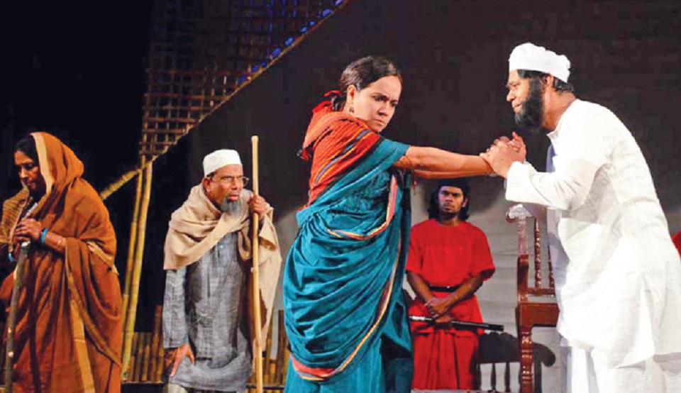 'Payer Awaz Pawa Jay', 'Kohe Facebook' at BSA Friday