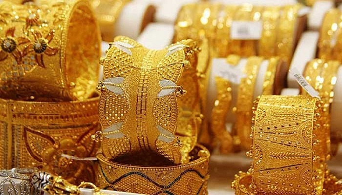 Gold prices fall by Tk 1,516 per bhori
