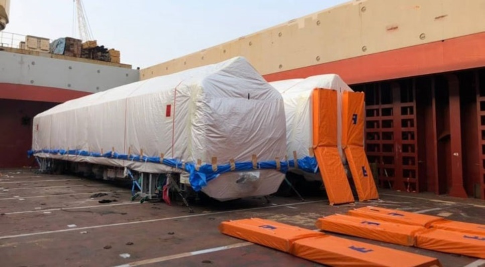 Metro Rail's 8 more compartments, 4 engines arrive at Mongla Port