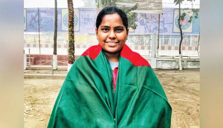 Cricketer Bithi turns saviour
