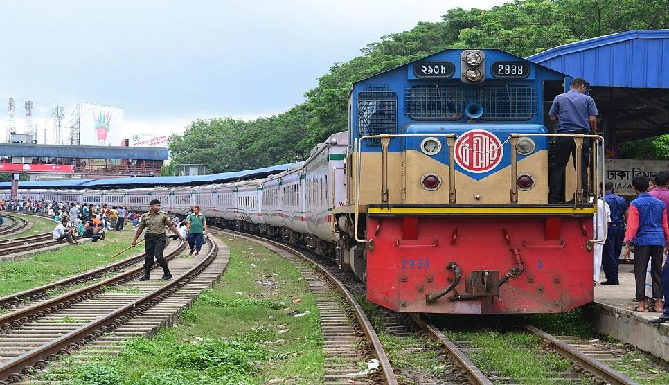 Stoning trains goes unbridled
