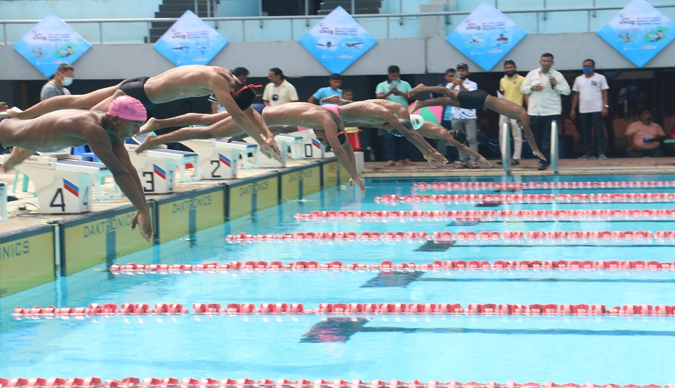 Age-level Swimming: Two national records on opening day