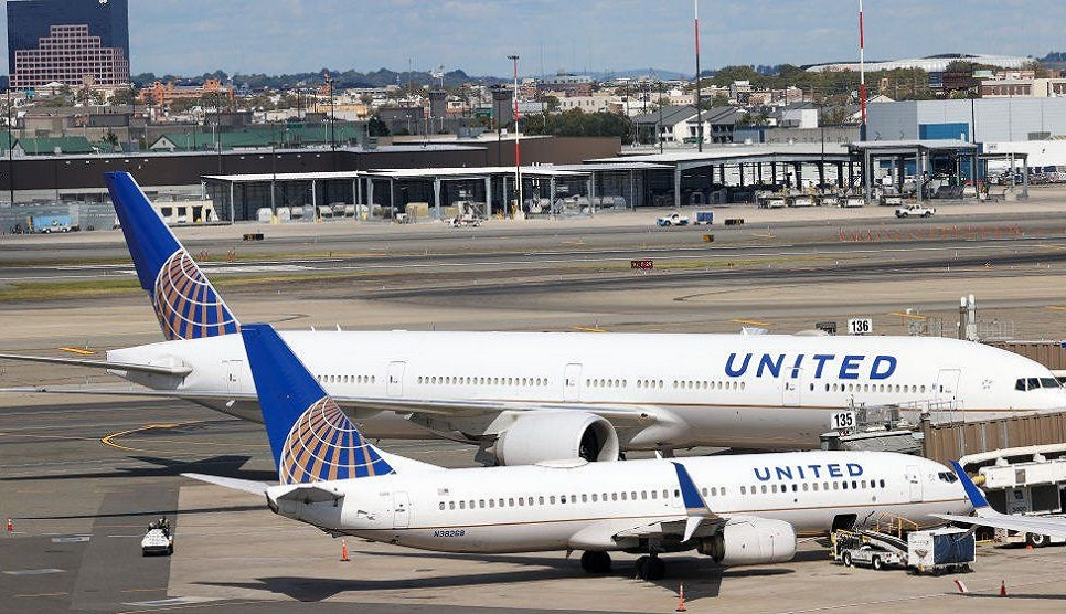 United Airlines 'right' to insist on staff vaccines