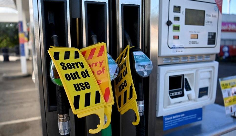 Traffic app Waze crowdsources fuel-shortage info