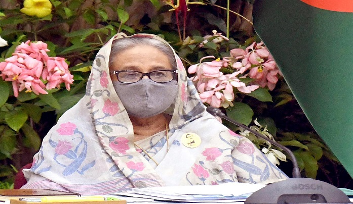 Devote yourselves to serving people: Hasina to public servants