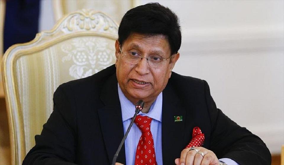 Govt took instant action after Rohingya leader killing: Momen