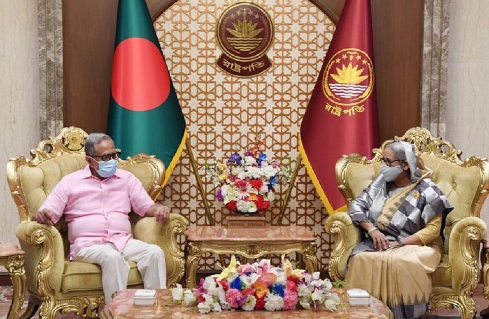 PM calls on President at Bangabhaban