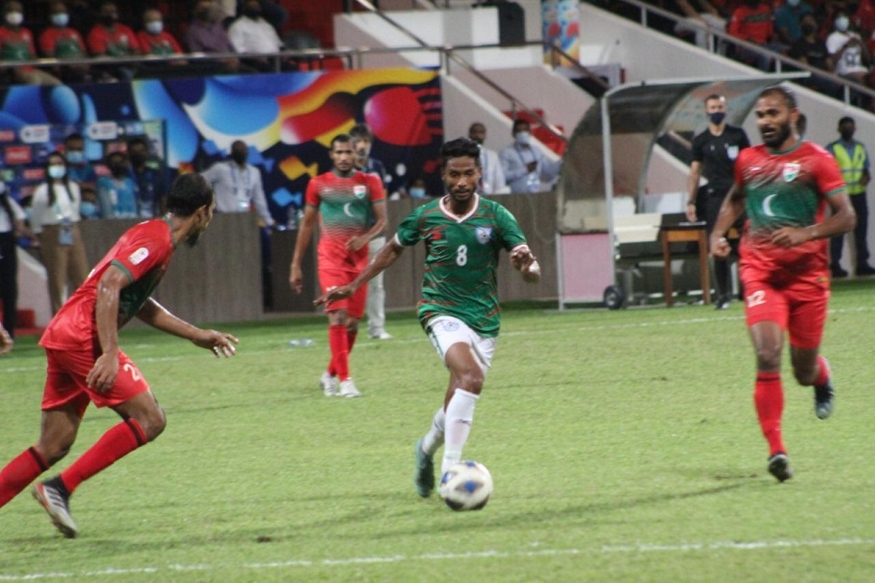 SAFF Championship: Bangladesh lose to Maldives but stay alive for final
