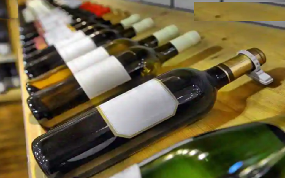 Two held with 2,000 litres of Cholai wine in C'nawabganj