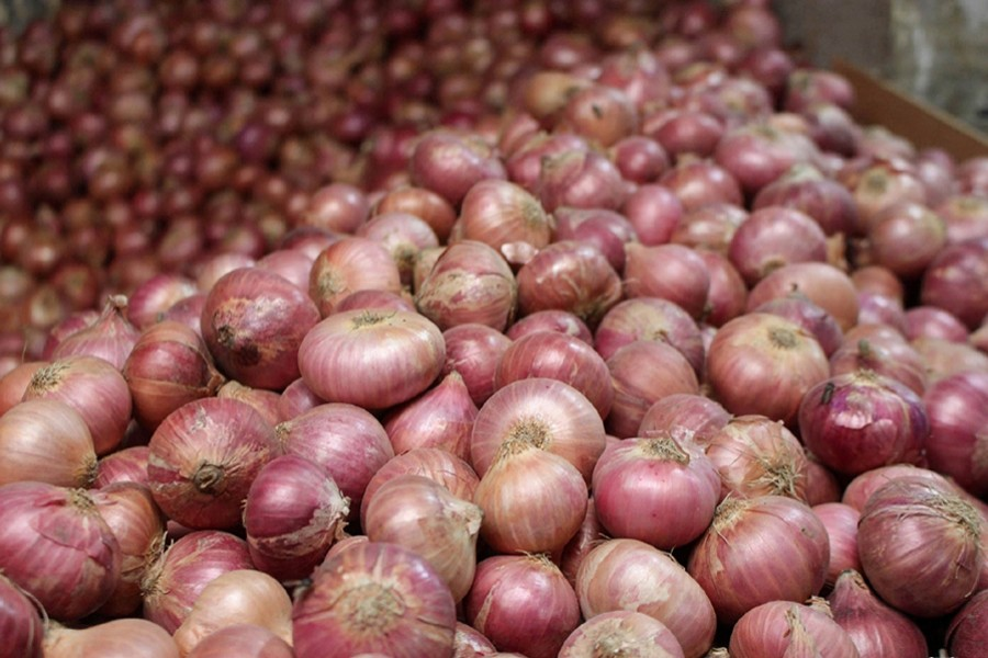 Onion price will cool down within 15-20 days: Agriculture Minister