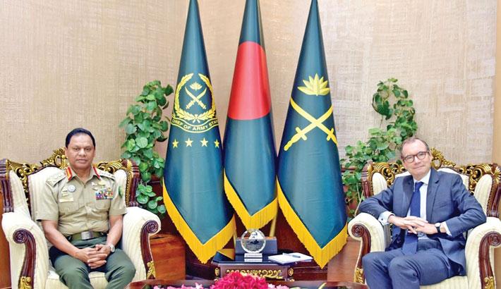 UK envoy calls on army chief