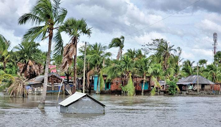 Khulna coastal people suffer for tidal surge