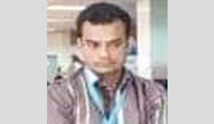 CAAB guard arrested with 80 gold bars at Ctg airport