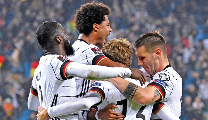 Germany, Netherlands edge closer to World Cup