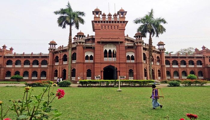 DU reopens halls for all students today