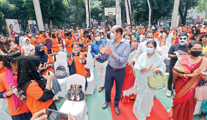 DNCC Mayor Md Atiqul Islam attends a programme at Justice Shahabuddin Ahmed Park in the capital's Gulshan area on Sunday, marking the National Child Rights Week 2021. —SUN photo