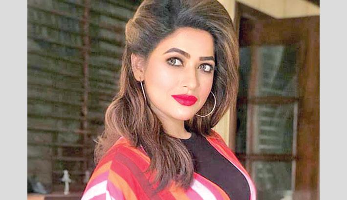 Badhon to make her Bollywood debut with Bhardwaj's 'Khufiya'