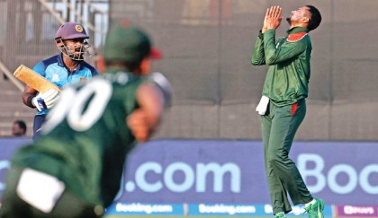 Dropped catches, poor bowling hurt Tigers
