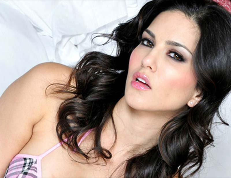 Mumbai Housewife Files Obscenity Case Against Actress Sunny Leone
