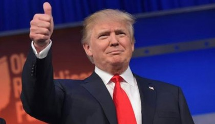 <p>Trump makes Republican loyalty pledge</p>