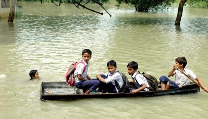 West Bengal Flood: 48 killed, Mamata calls in army