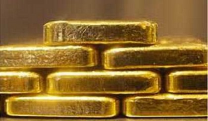 One held in possession of 12 gold bars at HSIA