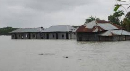 Seven villages inundated by tidal surge in Noakhali