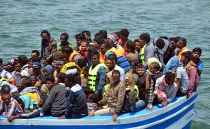 Mediterranean migrant crossings top 3,00,000 in 2015: United Nations