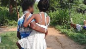Indian father carries raped minor daughter 4km daily for treatment